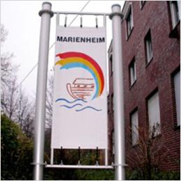 Fester Halt: Hausschild fürs Marienheim
